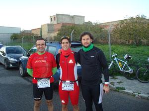 De izquierda a derecha, Paco Dorado, Joaquín Serrano y Kiki Some, antes de la salida. PINCHA MAS FOTOS.