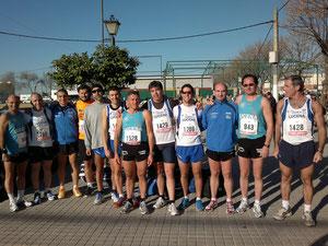 Atletas de Lucena, antes de la salida.