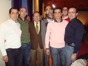 Jose luis Berjillos, con componentes del club