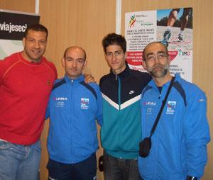 Mario Pestano, Luis Alberto Marco,junto a nuestros atletas Pedro y Dioni.