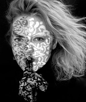 Alina Atlantis, bildende Künstlerin, tOG, take OFF GALLERY, Düsseldorf, Duesseldorf, NRW, Germany, Kunst, Art, Malerei, Skulptur, painting, performance, event