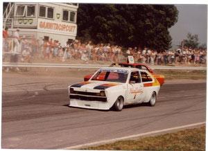 Nummer 10 Opel Manta hinter Sidniks