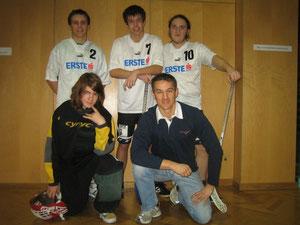 Das gesamte Floorball - Team des Bernoulligymnasiums
