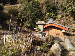 水神と井戸(大念寺)