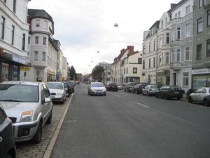 Die Münchener Straße heute: Viel zu breit und unattraktiv
