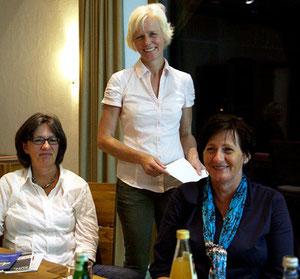 Kerstin Struckmeier, Bettina Renken und Birgit Liszio vom RUN (© Simone Schloen - Rotenburger Kreiszeitung)