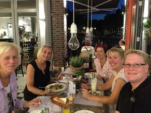 Die Rotenburger Unternehmerinnen zu Gast in der CAFESITObar Rotenburg