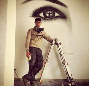 Portrait mit Airbrush auf Wand & Fassaden