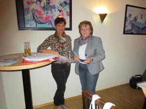 Evelin Hensel (links) und Helga Roderer (rechts)