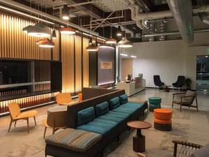 Amazonに勤めるクラスメイトのオフィスに訪問して、グループプロジェクトのミーティングをしました