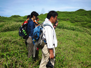 萩谷准教授による母島の地質についての解説