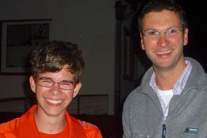 Jonas Weinrich mit Fluglehrer Karsten Hofmann