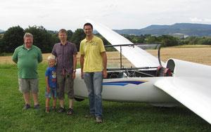 Prüfer, Prüfling mit Sohn und Ausbildungsleiter