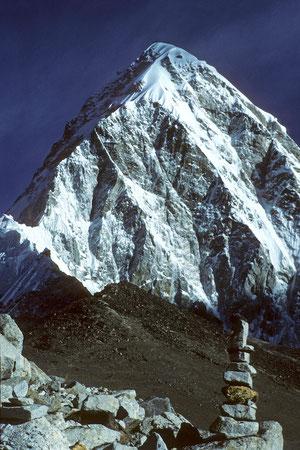 Kala Patthar 5545 m vor Pumori 7161 m