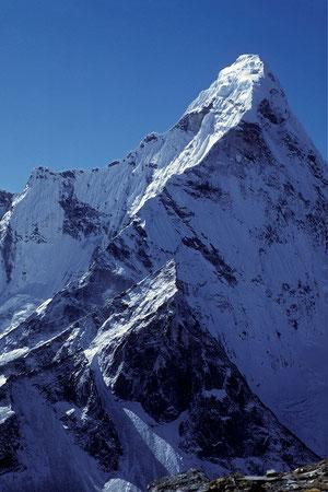 Ama Dablam 6856 m vom Chukung Ri