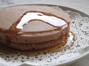 米粉パンケーキ(ココア)メープルシロップをかけました。