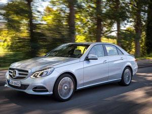 Der Mercedes E-Klasse bescheinigt die Dekra in ihrem aktuellen Gebrauchtwagenreport insgesamt die beste Mängelbilanz. Foto: Daimler
