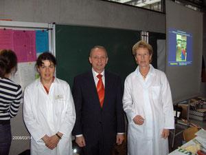 Besuch von Landwirtschaftsminister Dr. Backhaus am Infostand des Lebensmittelkontrolleursverbandes