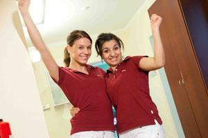 Nicole & Arta: Ehemalige Auszubildende zur Zahnmedizinischen Fachangestellten