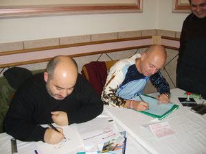 Giuseppe Palumbo, tra i nuovi disegnatori,  ha pochi rivali...a parte colui che sta disegnando alla sua sinistra