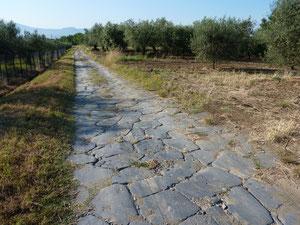 L'antique via Cassia sur laquelle marcha pieds nus Saint François d'Assise