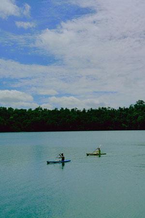 Lake Eachamでカヤックを楽しむカッポー。 最高のオフやね。