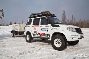 UAZ Patriot с прицепом. Фото фирменное