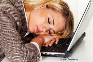 Ist Büroschlaf wirklich der beste Schlaf?