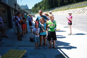 Moritz, Lena, Lèon und der stolze Trainer Klaus