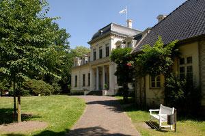 Vom Kloster zum Schloss: >>