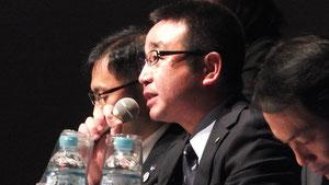 質問に応える茨城県PTA連絡協議会の多田厚史氏、小又和洋氏
