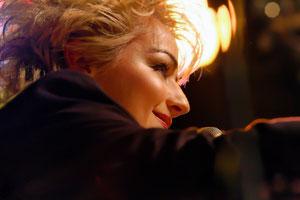 Die ultimative Tina Turner Show für Ihr Firmenevent, Stadtfest, Gala, Ball oder private Festlichkeit - präsentiert Tina Rogers und die Torsten Witt Band.