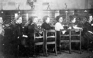 Vermittlungsstelle im Postamt Gütersloh um 1905