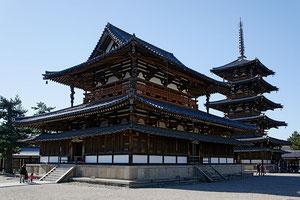 世界遺産の法隆寺 五重塔は落雷で何度か全焼しています