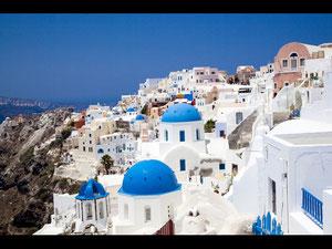 有名なギリシャのミコノス島  真っ白な壁は全て石灰で日本で言う漆喰です