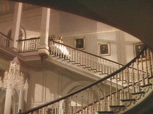 映画「風と共に去りぬ」  ヴィヴィアン・リーが階段を走り下りて来るシーン