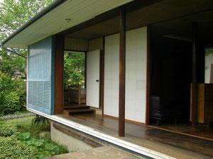 清家清の住宅にある雨戸