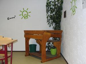 Dekoration alte Schulbank