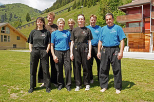 Gruppenbild der Thuner Teilnehmer