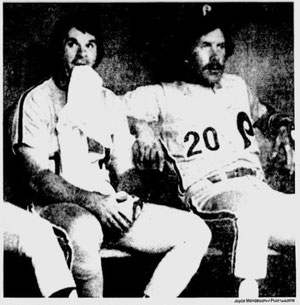 Pete Rose and Mike Schmidt look on glumly as the Pirates complete the sweep.