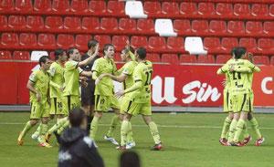 El Mirandés celebra el gol de Iñigo Díaz de Cerio. Foto: El Comercio.