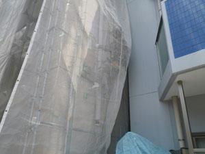 無足場工法による高圧洗浄