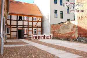 """Pension & Restaurant """"Hofgeflüster"""" - Innenhof"""