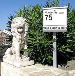 Eingang zur Villa Gandia Hills