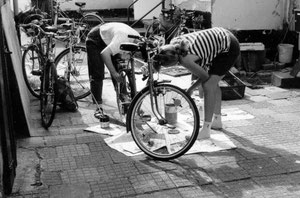 Ein zurechtgemachtes Wuggel-Fahrrad ersetzt den Feuerblitz