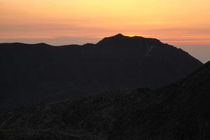 夜明け前(星生山より)