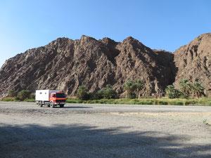 Das Wadi Abiyad führt ganzjährig Wasser