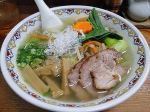烏骨鶏のスープを使った麺菜