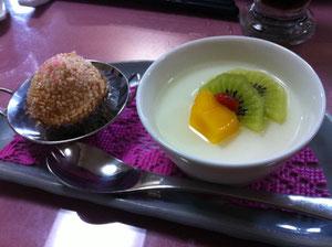 杏仁豆腐と胡麻まんじゅう