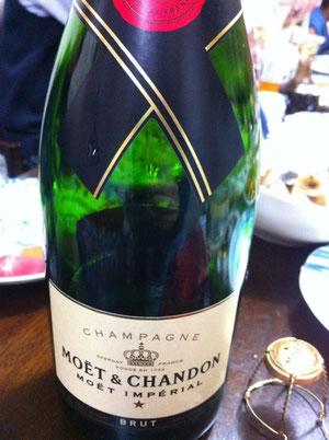 お正月に開けたシャンパン